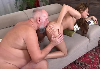 Sarah Cute makes the choice to give an older man make a name for oneself time