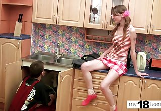 Skinny Teen Deepthroat and Doggystyle Sex at hand Plumber