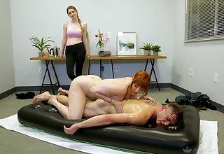 Legendary nuru massage by curvaceous cougar masseuse Lauren Phillips