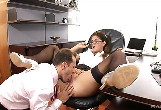 Secretary pleases simmering chief honcho with premium anal sex
