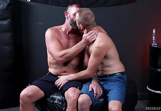 Chandler Scott takes full administer of adequate hunk Bubba Besprinkle