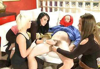 Dilettante man enjoys getting pleasured wits Loz Lorrimar & Tammie Lee