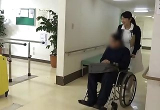Nurse helps will not hear of patient with physiotherapy