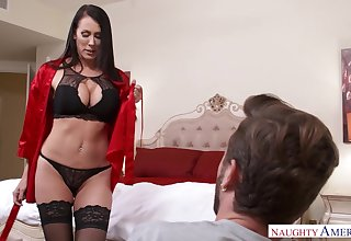Seductive MILFie housewife just loves flashing her turns and fucking doggy
