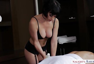 Vest-pocket masseuse with D-cup boobies Olive Glass gives a blowjob before sex