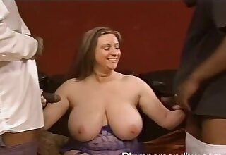Closeup videotape of chubby Kitty Lee obtaining fucked away from two black dudes