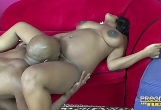 Thick ebony hottie has all the right moves for a black load of old cobblers