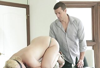 Sex with a curvy blonde substantiation she sucks dick
