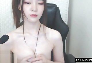 Korean 18yo horny babe having fun