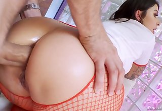 Crotchety attractive curvy nurse Ivy Lebelle blows cock in the lead good anal