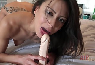 Amazing nymphette Cassie Del Isla toys will not hear of pussy