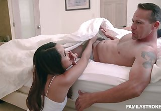 Lustful stepdaughter Sheena Ryder gives a tugjob concerning front of resting mommy