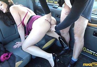 Valentina Bianco received cabbie's cock inside cunt