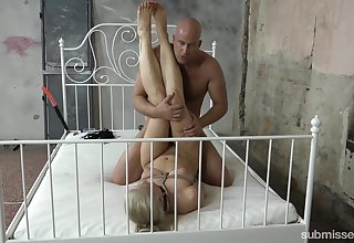 Muscular pauper fucks her to the fullest she sits unconditionally restrained
