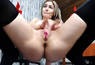 Girls Out West Curvy amateur blonde toys her pinky pussy