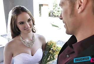 Rejected bride Jazmin Luv competes in unselfish a barely satisfactory solid blowjob
