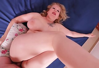 Big arse MILF painal. She lost and was painfully fucked in her thick ass.