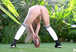 Sinewy Britney Amber plays sport and gets fucked relation up