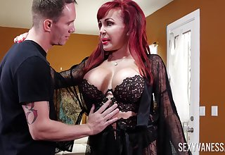 Redhead cougar Despondent Vanessa in black lingerie having nice sex