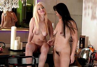 Mature lesbian Sissy enjoys licking pussy be advisable for XXX Roxy Risingstar