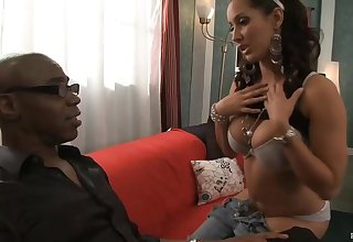 Latin ignorance with big tits, Isis Love likes to get down and dirty with Sean