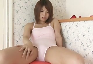 sand23 japanese schoolgirl omorashi diaper conformity